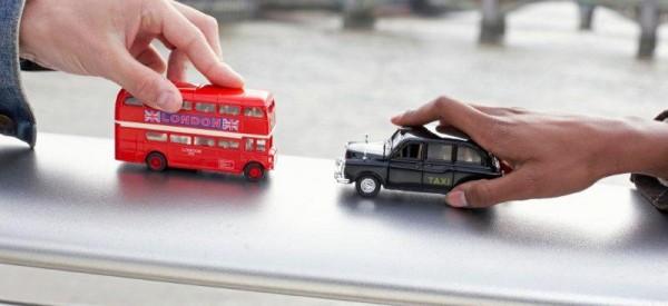 Chystáte se v lete do Veľkej Británie a bojíte sa, že sa stratíte pri prestupovaní v Londýne?
