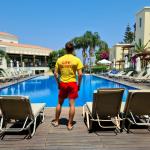 Ondro a jeho práca plavčíka na Cypre